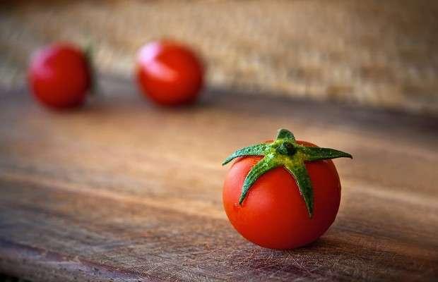 Diet rich in tomatoes cuts skin cancer in half in mice