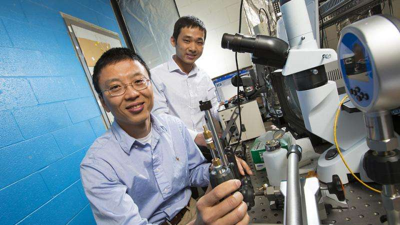 Husker engineers craft microscopic heater-thermometer