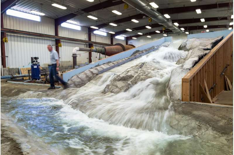 Miniaturizing America's tallest dam