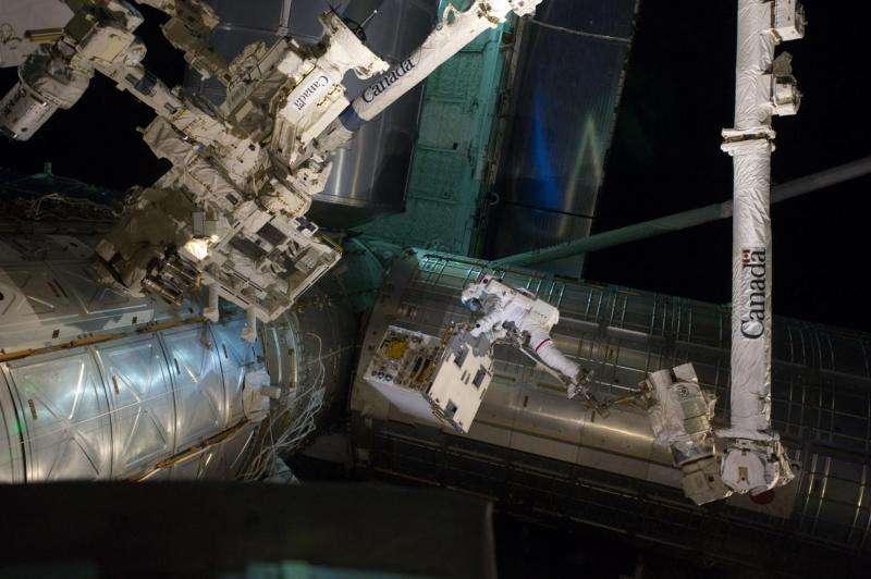 NASA robotic refueling mission departs station