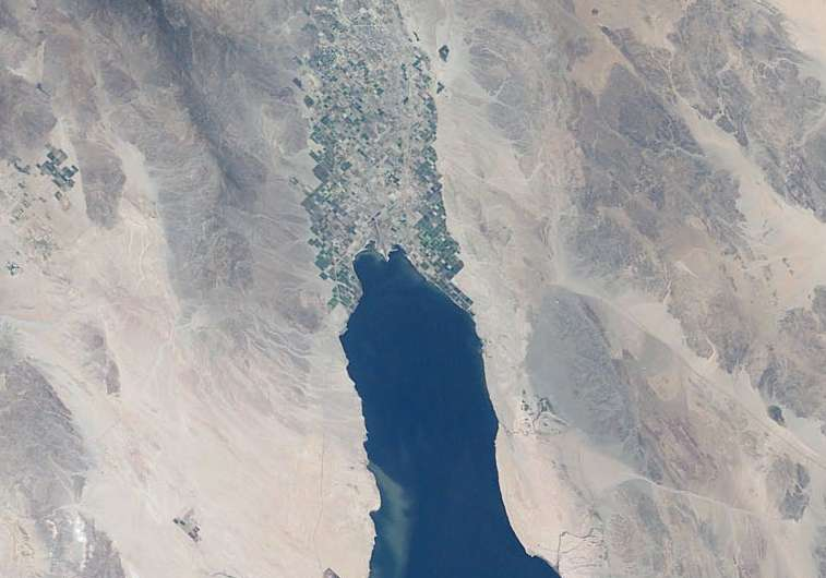 New dust sources from a shrinking Salton Sea have negative ecological and health impacts