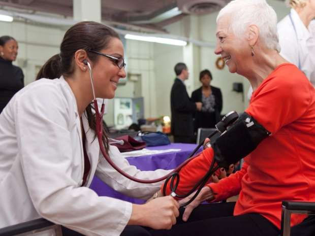 Nurse volunteer activities improve the health of their communities, workforce study says