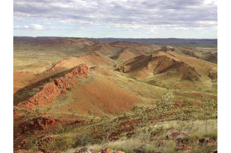 Oldest evidence of life on land found in 3.48-billion-year-old Australian rocks
