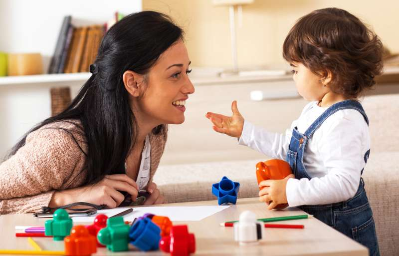 Parents' early word choices can widen STEM gender gap