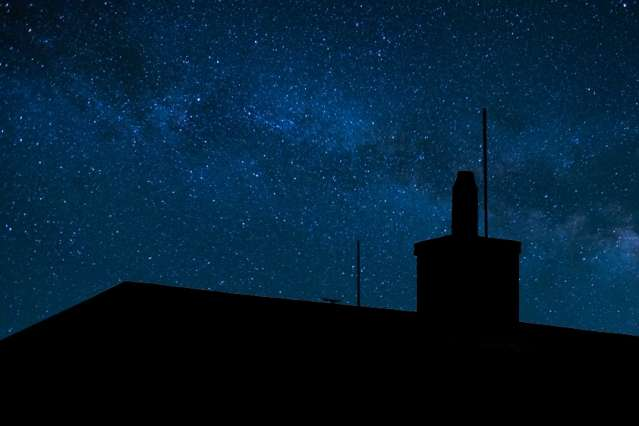 Physicists address loophole in tests of Bell's inequality using 600-year-old starlight