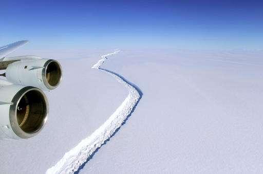 Scientists watch growing Antarctic crack but aren't alarmed