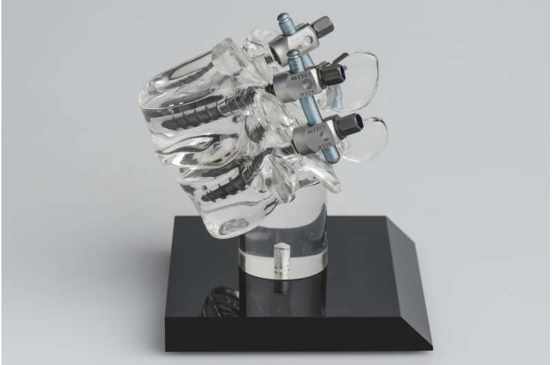 Sensor-enhanced surgical robot enables highly precise and safe spinal operations