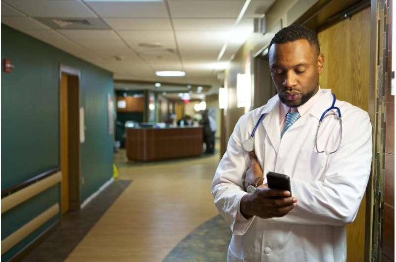 Smartphones in the ER can help discharge patients faster