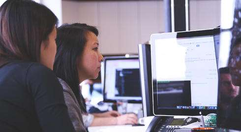 Strong friendships among women in the workplace reduce conflict, according to new study