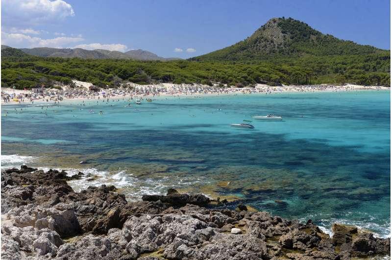 The Mediterranean Sea: incomparable wealth in steep decline