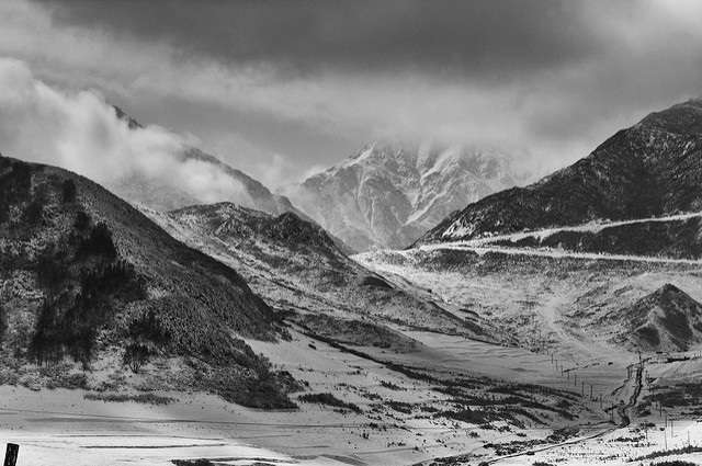 Tibetan people have multiple adaptations for life at high altitudes