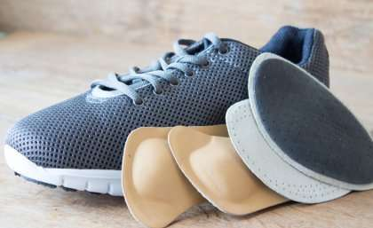 Trial of shoe insoles to improve balance in diabetic patients