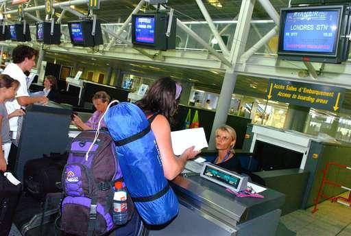 US, Europe discuss new laptop ban on flights