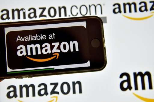 US online giant Amazon reported higher sales but weaker earnings, following a familiar pattern of the firm led by Jeff Bezos of