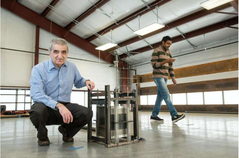 Virginia Tech team reduces structural vibrations with simple, groundbreaking device