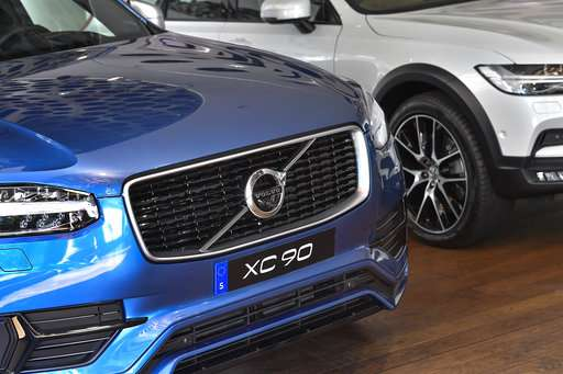 Volvo is first major carmaker to forgo traditional engines