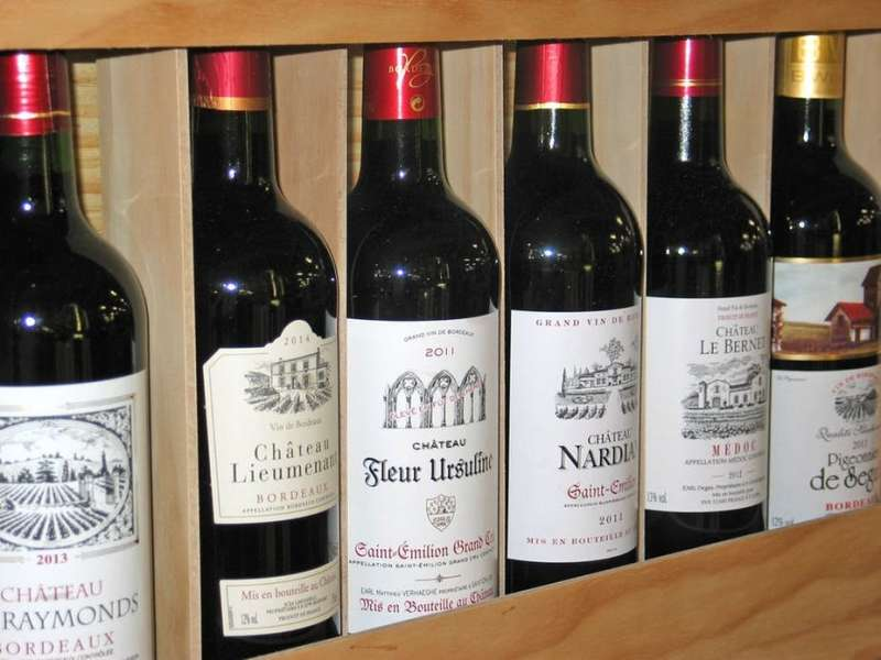 Wines and their labels: crafting narratives thatspeaktous