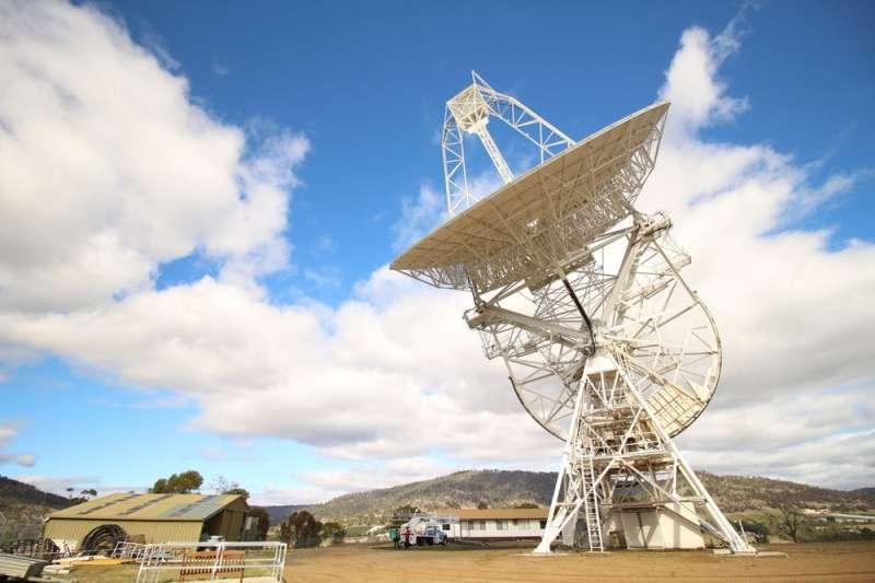 Captured! Radio telescope records a rare 'glitch' in a pulsar's regular pulsingbeat