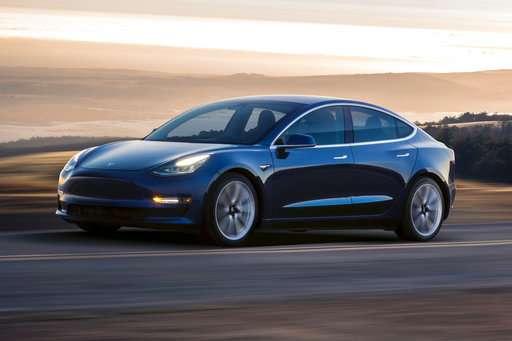 Edmunds examines 3 semi-autonomous driving systems