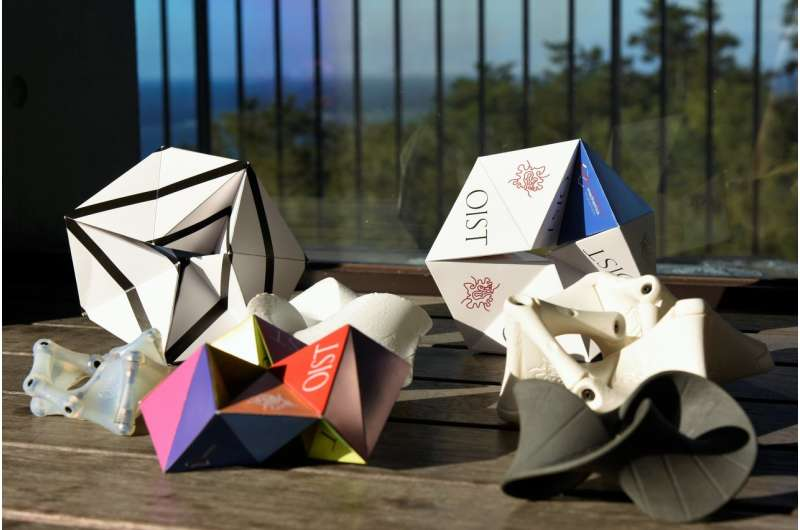 Möbius kaleidocycles: Sensational structures with potential applications