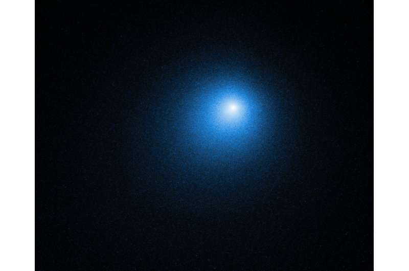 NASA telescopes take a close look at the brightest comet of 2018