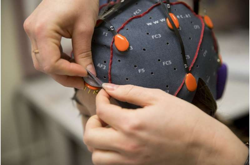 New tool developed at Brown will aid in understanding brain signals