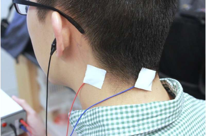 Specially timed signals ease tinnitus symptoms in first test aimed at condition's root cause