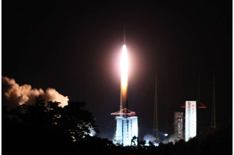 Dutch radio antenna launched from Chinese base to position behind the Moon