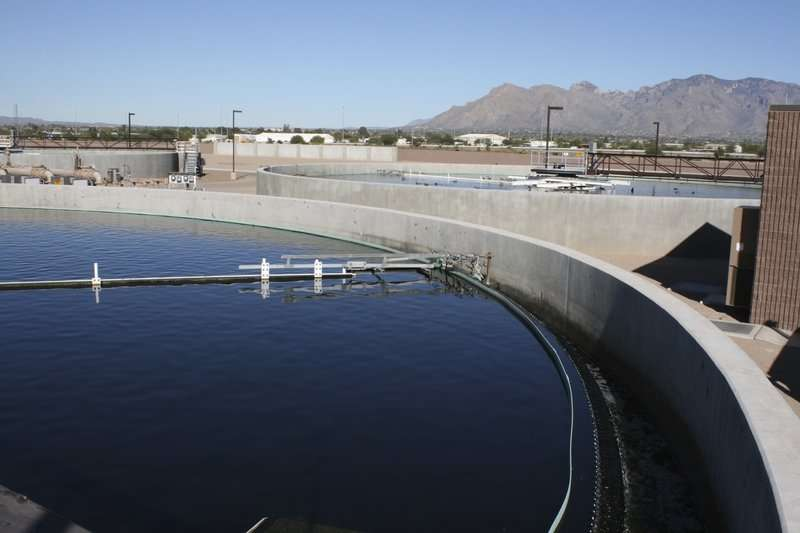 Can desert cities such as Tucson and Phoenix make water sources sustainable?