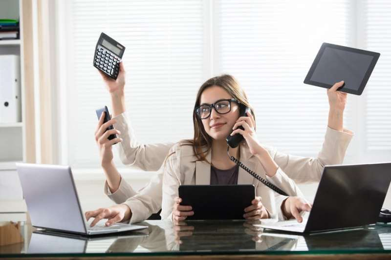 Multitasking between devices is associated with poorer attention and memory — expert explains why