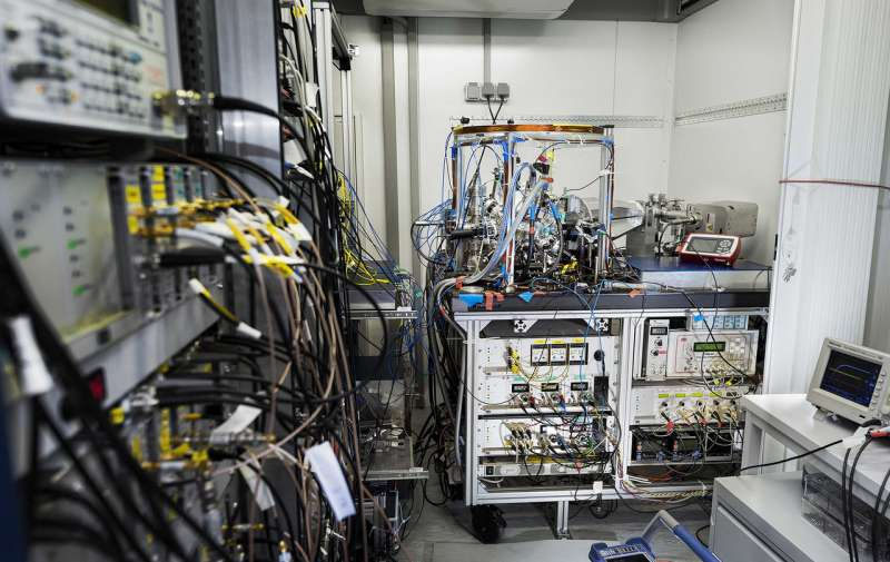 Transportable optical clock used to measure gravitation for the first time