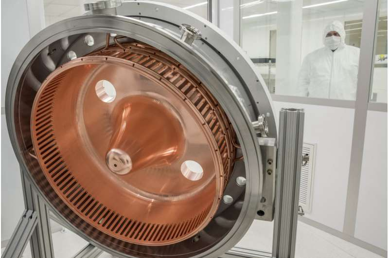 Unique injector creates bunches of electrons to stimulate million-per-second X-ray pulses