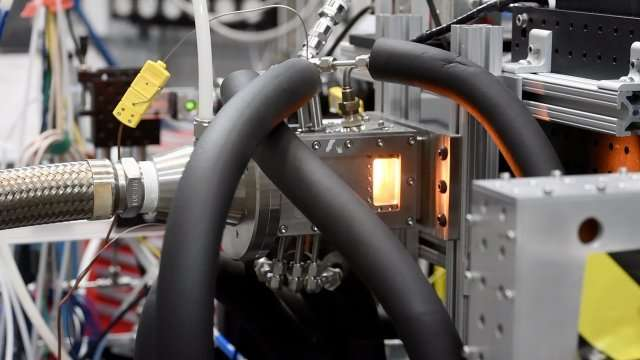 Researchers conduct first-ever combustion experiment with X-rays