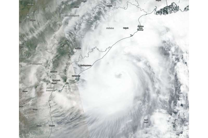 NASA catches Tropical Cyclone Titli headed for landfall in India