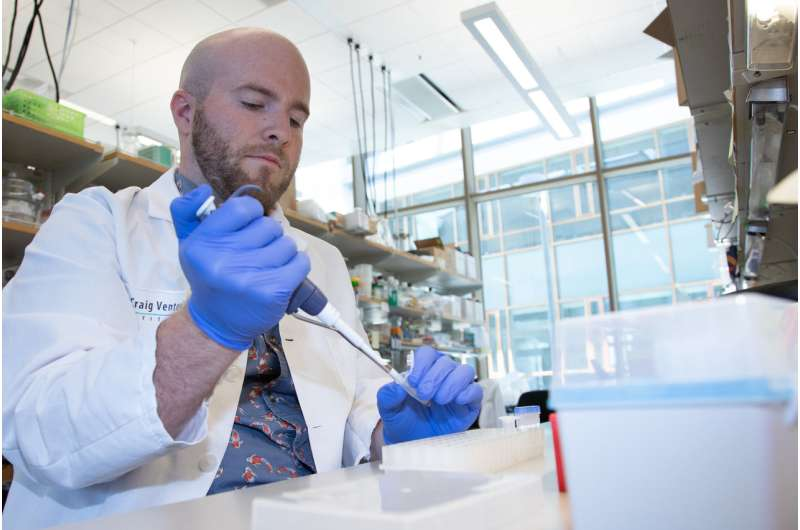 Scientists discover genetic basis for how harmful algal blooms become toxic