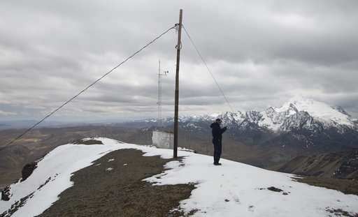 Bolivian observatory collects data as glaciers melt
