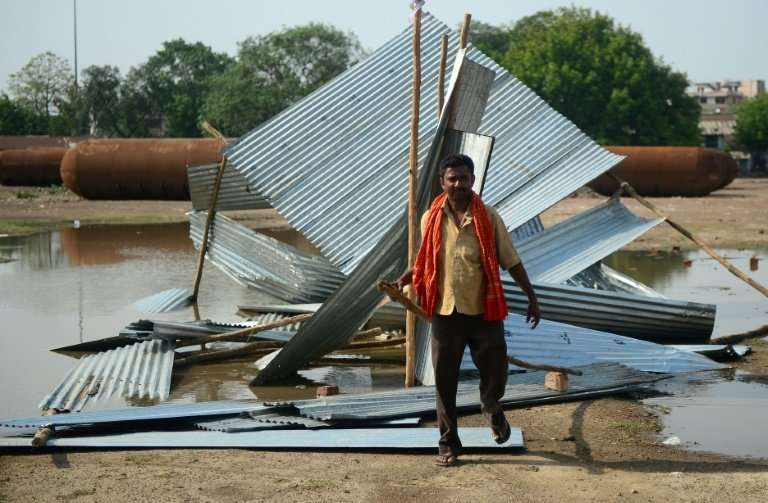 A deadly dust storm claimed 121 lives in Uttar Pradesh, Rajasthan, Uttarakhand and Punjab, while an electric storm, in which lig
