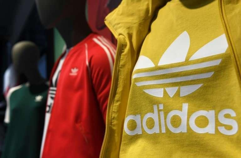 Profesión ancla Gran cantidad  Adidas lifts profit outlook after 'strong' quarter