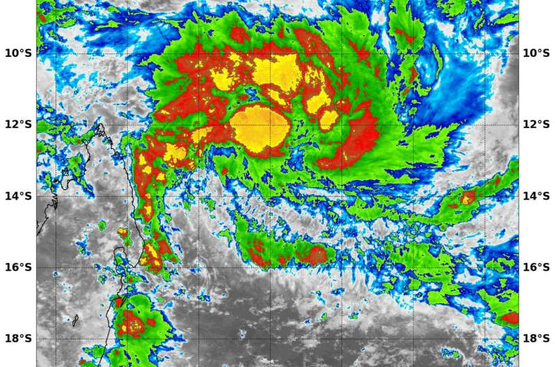An 'insider's look' at Tropical Cyclone 11S from NASA's Aqua Satellite