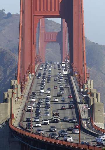 Automakers seek flexibility at hearing on mileage standards