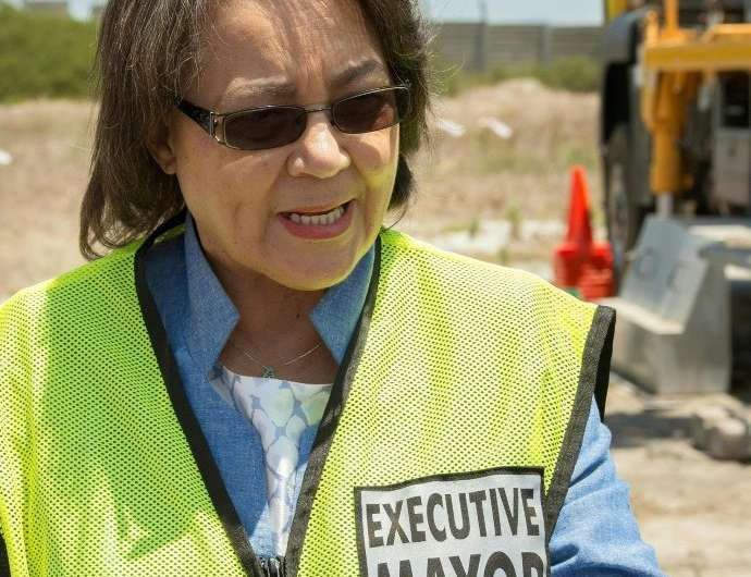 Cape Town Mayor Patricia de Lille last week visited a drilling site at an aquifer at Mitchells Plain, about 25km from the city.