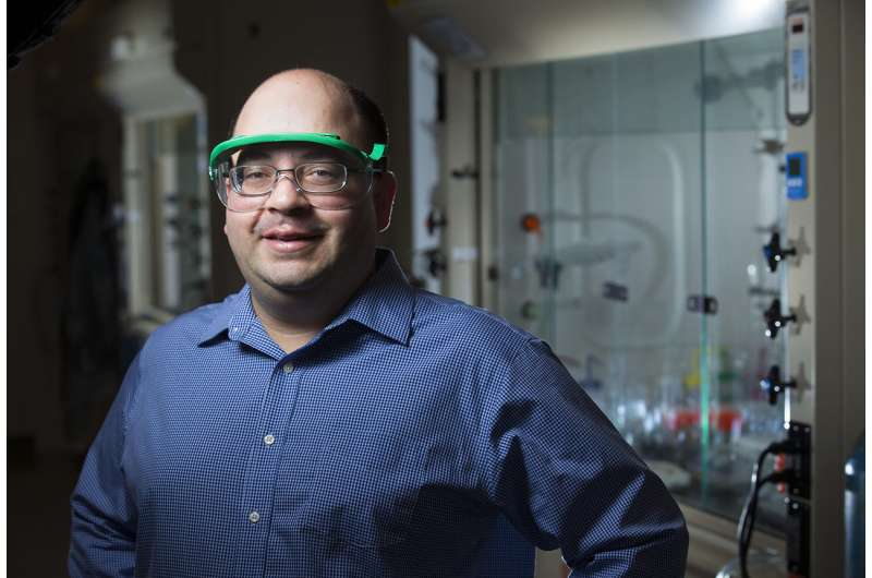 Chemists use abundant, low-cost and non-toxic elements to synthesize semiconductors