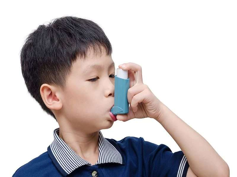 Childhood risk profiles affect middle-age lung function