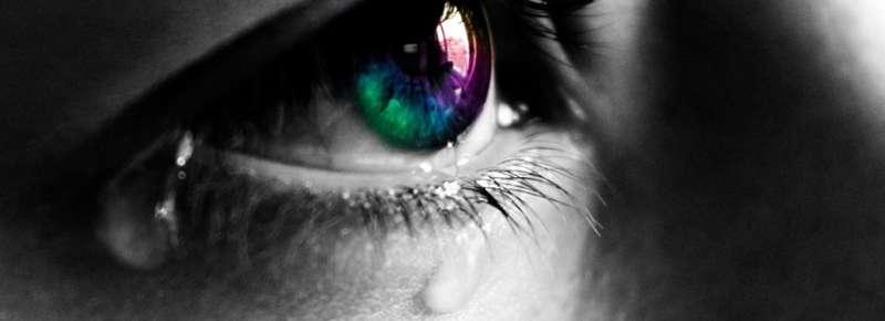 Decomposing tears in order to detect dry eye disease