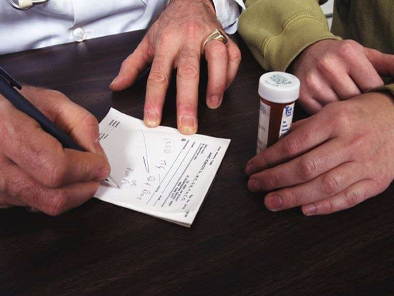 Doctors curbing first-time prescriptions for opioids