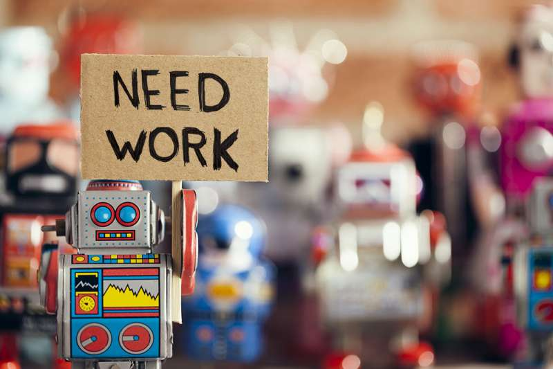 Economist predicts job loss to machines, but sees long-term hope