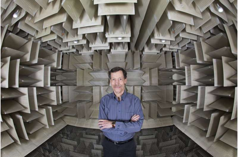 Engineer creates new design for ultra-thin capacitive sensors