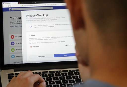 Facebook revamps privacy tools as tighter EU rules draw near