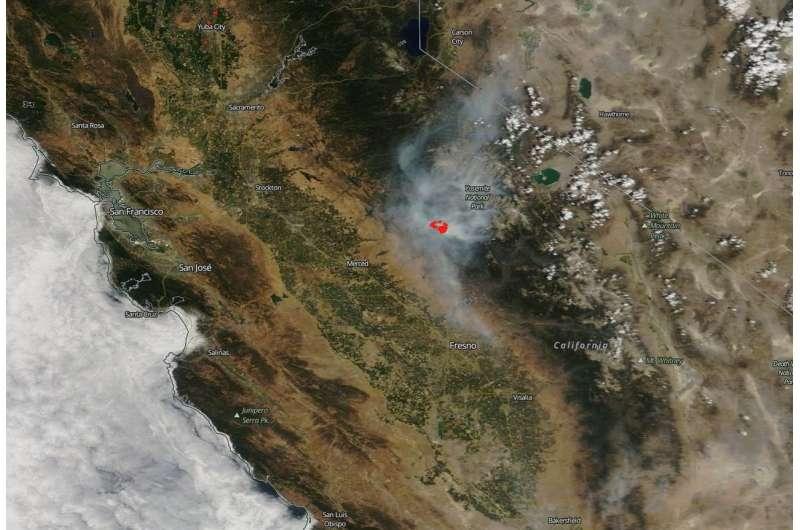 Ferocious Ferguson fire in California threatens Mariposa—again