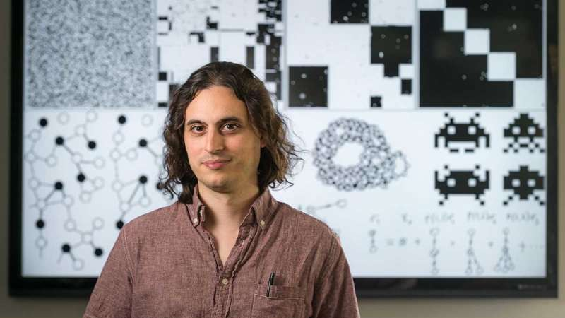 Fluid dynamics may play key role in evolution of cooperation